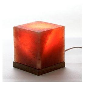 luminaria_artesanal_do_sal_do_himalaia_cubo_com_base_madeira_loja_projeto_verao